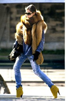 Discover this look wearing Olive Green Boots, Ripped Jeans, Black Gloves - Milan streetstyle by KayaKoi styled for Chic, Everyday in the Fall Fur Fashion, Look Fashion, Womens Fashion, Jeans Fashion, Fashion Images, Hm Outfits, Winter Outfits, Olive Green Boots, Yellow Boots