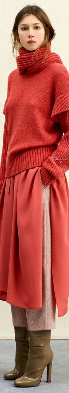 Agnona Pre-Fall 2017 Knitwear Fashion, Knit Fashion, Red Fashion, Sweater Fashion, Fashion Moda, Fashion 2017, Diy Pullover, Angora, Thick Sweaters