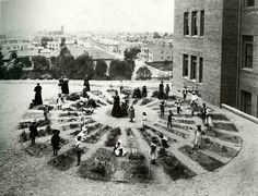The Architecture of Early Childhood: Kindergarten and the 'Froebel's Gifts' offering free play