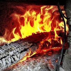 Título: Redes Sociales #fuego #candela #horno #hoguera #leña #redessociales #maroteandord