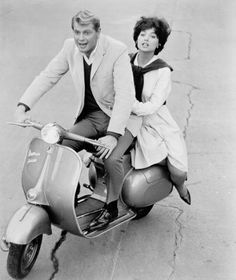 Troy Donohue and Suzanne Pleshette on a Vespa Scooter. Hollywood Stars, Classic Hollywood, Old Hollywood, Hollywood Couples, Hollywood Actresses, Turner Classic Movies, Classic Films, Rome Adventure, Suzanne Pleshette