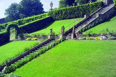 Villa Bardini - Firenze - Vialetti, tunnel fioriti, piccoli sentieri e scorci mozzafiato: ecco le perle di questo incantevole spazio verde situato nel cuore di Firenze