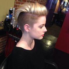 Blonde sidecut