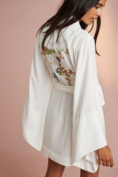 Slide View: 1: Floreat Adachi Printed Robe