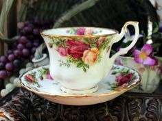 Royal Albert Old Country Roses Teacup Tea Cup and Saucer England. The classic, Royal Albert, 1962 Country Roses. Set is in great shape, showing only wear to the heavy gilt rims and all colors are cris