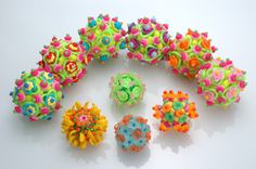 Beaded Beads, Angle Stitching, Suzanne Golden online gallery - Love the colours :)