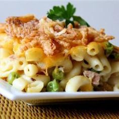 Easy Tuna Casserole - No fail, it's great for new cooks! Yep, I know, it's only tuna casserole, but I like it. Fish Recipes, Seafood Recipes, Great Recipes, Cooking Recipes, Favorite Recipes, Pasta Recipies, Dinner Recipes, Cookbook Recipes, Tuna Casserole Recipes