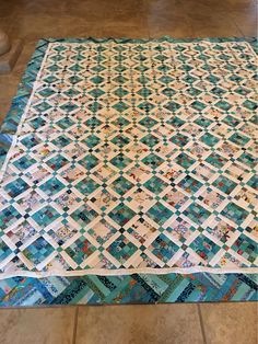 Aqua Quilt, Blue Quilts, Jellyroll Quilts, Scrappy Quilts, Shabby Chic Quilts, Bonnie Hunter, Quilt Border, Strip Quilts, Quilting Designs