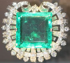 All about the Baguette Cut Diamond - one of the antique diamond cuts Crystals Minerals, Baguette, Diamond Cuts, Emerald, Shapes, Crystal, Gemstones, Emeralds