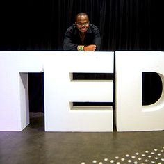 Souvenez-vous, j'ai participé à TEDx Pointe-à-Pitre le 10 Novembre 2015. Voici 3 bonnes raisons de regarder la vidéo de mon intervention, parue durant la semaine.