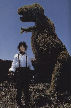 (one of my favorite movies). I'mma make some awesome/wacky sculptures like this for my lawn some day.