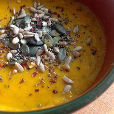 Sugarfree butternut squash and coconut soup recipe http://happysugarhabits.com/sugarfree-butternut-squash-and-coconut-soup-recipe/