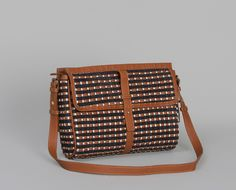 Lovely Sessun bag from L'exception. There are so many lovely things on this French website!