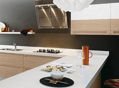 Cocinas modernas y amplias.