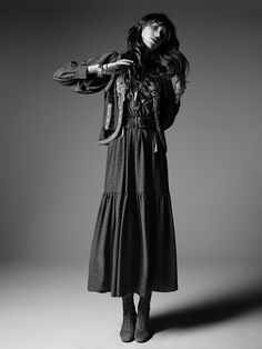 SAINT LAURENT The PSYCH ROCK collection from Saint Laurent by Hedi Slimane. The Sixties-inspired collection that pays tribute to the psychedelic rock music movement of the. Hedi Slimane, Vogue Paris, Style Rock, My Style, Fashion Niños, Gypsy Fashion, Retro Fashion, Bohemian Style, Boho Gypsy