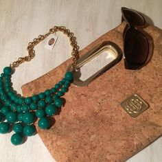 """NWT Beautiful Green Bubble Necklace NWT from Fossil. It is a beautiful green bubble necklace with gold accents. It has a claw clasp for adjusting. Please ask any and all questions. Happy Poshing  ✨HP✨ 9-7 """"Wardrobe Goals"""" Party Fossil Jewelry Necklaces"""