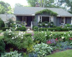 Southern cottage garden