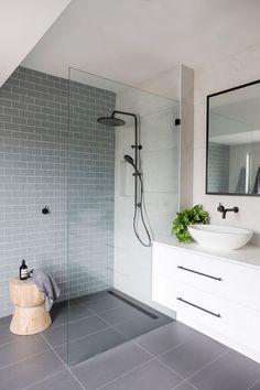 [#SALLEDEBAIN] : La salle de bain est devenue un espace de détente et de bien-être 💆🌺 Il est donc important de bien l'aménager ! 🛀💦