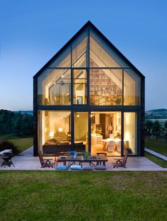 Discover the Best Latest Glass House Designs Ideas at The Architecture Design. Visit for more images and ideas about Glass House Designs Ideas. Modern Barn, Modern Farmhouse, Residential Architecture, Interior Architecture, Beautiful Architecture, Movement Architecture, House Architecture Styles, Japanese Architecture, Sustainable Architecture