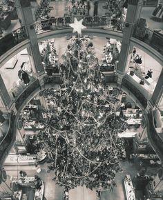Le sapin des Galeries Lafayette, 1966 noel-vintage-paris