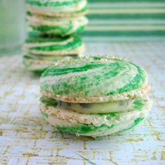 Mojito macarons – a little bit of beachy sunshine in a bite. (But without the sand!)