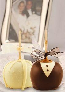 Jumbo Bride & Groom Wedding Caramel Apples