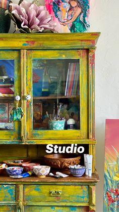 Funky Painted Furniture, Refurbished Furniture, Colorful Furniture, Art Furniture, Repurposed Furniture, Furniture Design, Retro Furniture Makeover, Turquoise Furniture, Painting Furniture