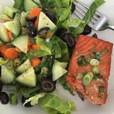 www.sizzlefish.com  It's a simple @sizzlefishfit Salmon kind of day today! @hayleymason knows just how to make lunch yummy! .  Head to our website to order your perfectly portioned fish and shellfish today: www.sizzlefish.com