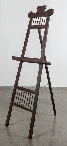 Victorian walnut easel, late 19th c.