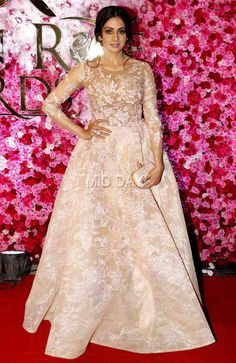 Sridevi at Lux Golden Rose Awards Bollywood Stars, Bollywood Fashion, Nice Dresses, Formal Dresses, Maxi Dresses, Bollywood Celebrities, Latest Pics, Beauty Queens, Indian Beauty