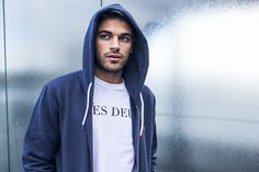 LES DEUX T-SHIRT WITH A FRENCH HOODIE - COMFORTABLE AND NICE
