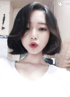 Asian, girl, and ulzzang image mais asian haircut short, korean Girl Short Hair, Short Hair Cuts, Short Hair Styles, Curly Short, Pixie Cuts, Short Pixie, Trendy Hairstyles, Girl Hairstyles, Hairstyles 2018