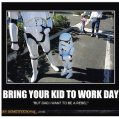 Como es el dia de traer a tu hijo al trabajo de un Stormtrooper