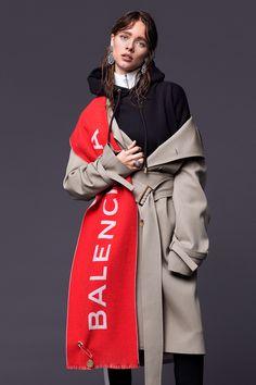 Photography: Reno Mezger Styled by: Alexandra Krüsi Hair & Makeup: Sigi Kumpfmüller Model: Beegee Margenyte