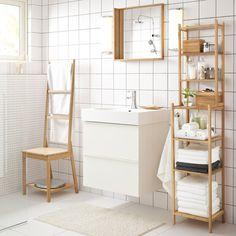 RÅGRUND stoel met handdoekenrek, spiegel en stellingkast in bamboe.