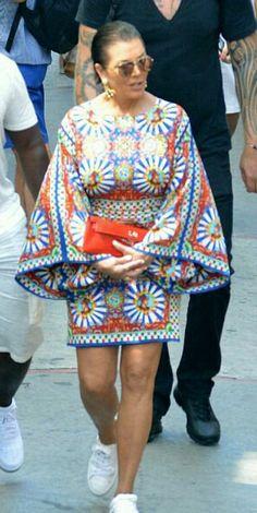 Kris Jenner in Capri, Italy...love this look