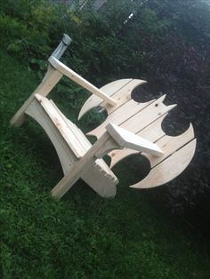 Batman Adirondack Chair Adirondack Chair Plans, Adirondack Furniture, Rustic Furniture, Diy Furniture, Outdoor Furniture, Batman Chair, Batman Room, Barn Parties, Decoration Design