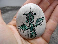 Smok na kamieniu. Magnes na lodówkę. Art, Art Background, Kunst, Performing Arts, Art Education Resources, Artworks