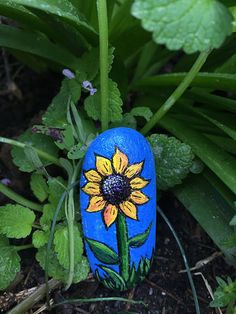 Sunflower | Acrylic on rock | Stacey Potts | Flickr
