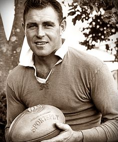 Don Clarke (10/11/1933), simply the boot. http://mitidelrugby.altervista.org/don-clarke-simply-the-boot/
