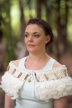 Makareta(pearl) Korowai Flax Weaving, Weaving Art, Weaving Patterns, Flax Flowers, Maori Designs, French Collection, Maori Art, Cloak, Wearable Art