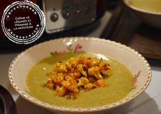 Je ne sais pas pour vous, mais moi, la pluie, ça me donne juste envie de manger de la soupe. Le temps frisquet et gris de la dernière semaine a sonné le glas de ma motivation à mettre un pied dehors pour quelque raison que ce soit et je sens la puissance de l'envie d'hiberner … Thai Red Curry, Creme, Ethnic Recipes, Motivation, Foodies, Salads, Gray, Cream Soups, Cheese