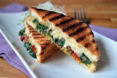 Tosty ze szpinakiem i suszonymi pomidorami - Kuchenny bałagan Spanakopita, Sandwiches, Healthy Recipes, Healthy Food, Food And Drink, Tasty, Dinner, Cooking, Breakfast