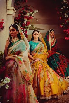 If you thought Kim Kardashian's traditional outfits for Vogue India was stunning then you clearly have good fashion taste. Indian Bridal Fashion, Indian Wedding Outfits, Bridal Outfits, Indian Outfits, Wedding Dresses, Eid Outfits, Wedding Bride, Fashion Outfits, Lehenga Designs