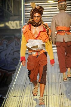 John Galliano Spring 2010 Menswear Fashion Show