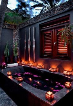 Outdoor bathtub in the tropics (note - even the palm trees are purple) Outdoor Bathtub, Outdoor Bathrooms, Dream Bathrooms, Dream Rooms, Outdoor Showers, Dream Home Design, My Dream Home, Beautiful Homes, Beautiful Places