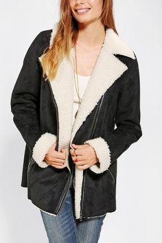 Rad oversized vegan suede moto jacket with fuzzy sherpa lining. #urbanoutfitters... warm!