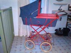 Kinderwagen jaren 70 vintage rood met spijkerstof