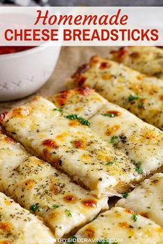 Homemade Cheese Breadsticks make the perfect side for Italian night! Easy homemade pizza dough brushed with butter, topped with garlic and herbs, and lots of cheese! Homemade Breadsticks, Easy Homemade Pizza, Cheese Breadsticks, Homemade Cheese Sticks, Pizza Cheese, Pain Pizza, Cooking Recipes, Recipe For Garlic Bread, Recipes With Bread Dough