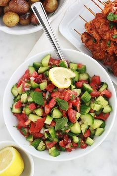 Chlada is a delicious Moroccan tomato and cucumber salad. Detox Recipes, Meat Recipes, Asian Recipes, Appetizer Recipes, Healthy Recipes, Summer Grilling Recipes, Summer Recipes, Vinaigrette, Cucumber Salad